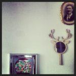 caramelle, corna e antenato nella casa sull'albero.