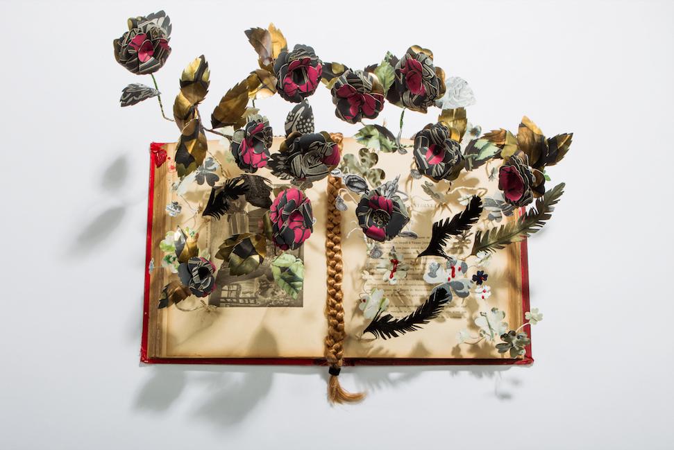 papercraft-elena-borghi-fiori-carta-libri