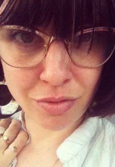 elena-borghi-cougar-selfie