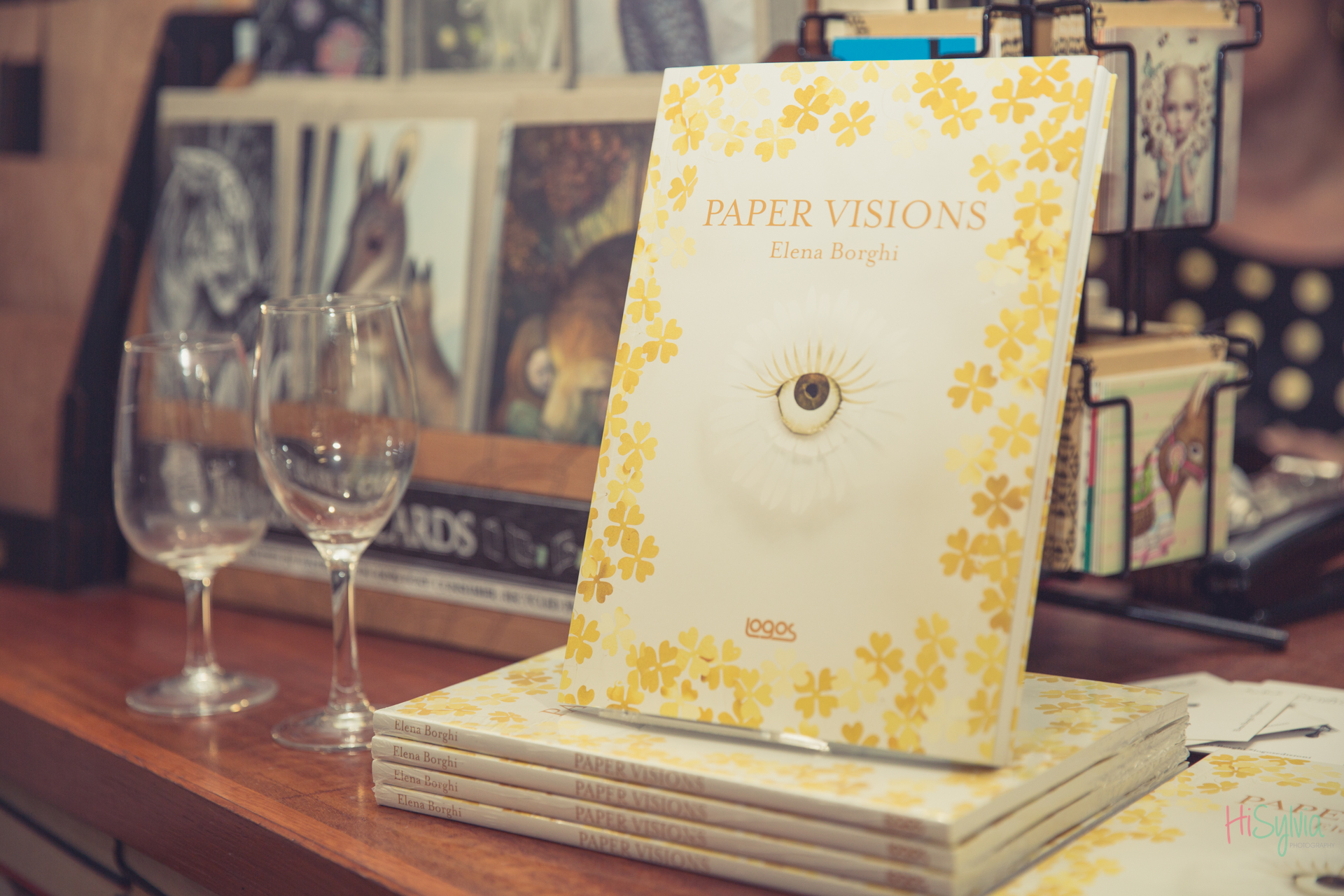 PAPER VISIONS in tour a Melbourne! Elena Borghi, Logos Edizioni. Book signing at Brunswick Bound library