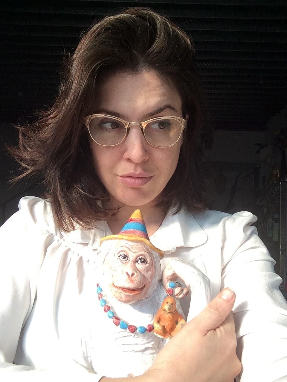 la-scimmia-bianca-di-porcellana-fiaba-elena-borghi
