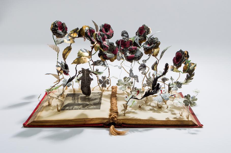 Marie-Antoinette-papercraft-libro-fiori-elena-borghi